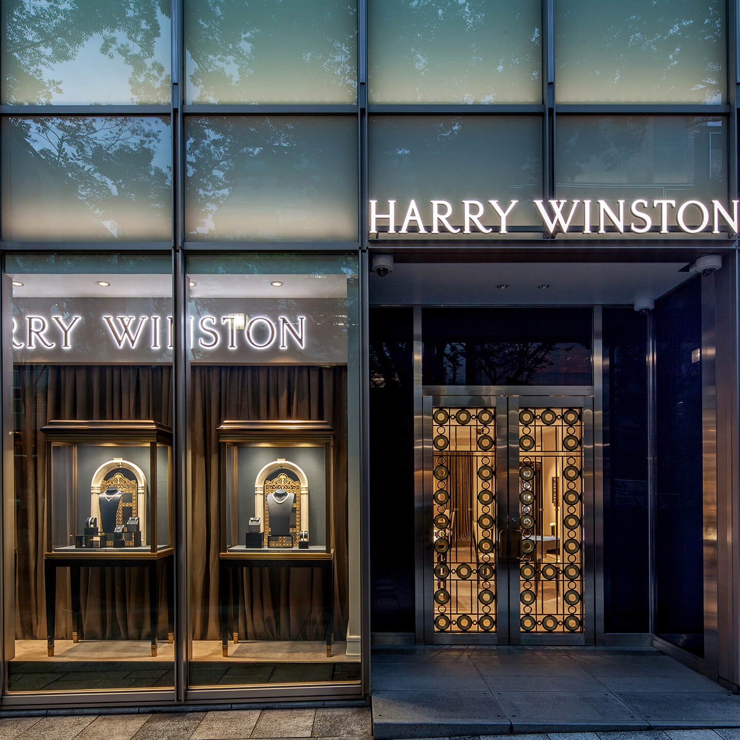 Harry Winston Reopens its Salon in Omotesando Hills