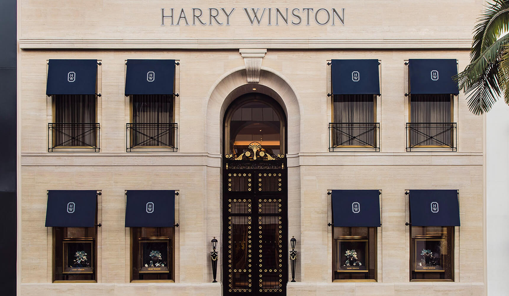 Harry Winston rouvre son salon de Beverly Hills