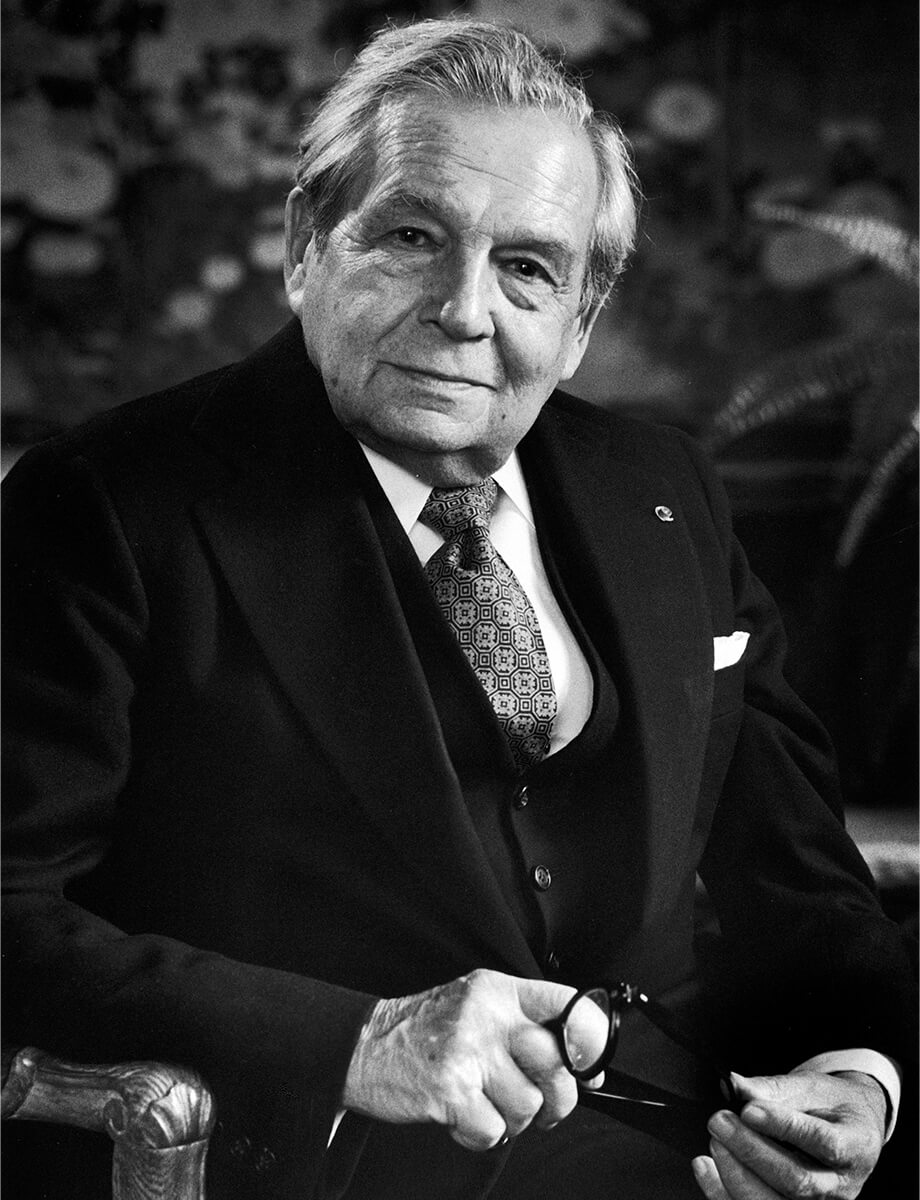 Black and white portrait of Mr. Harry Winston