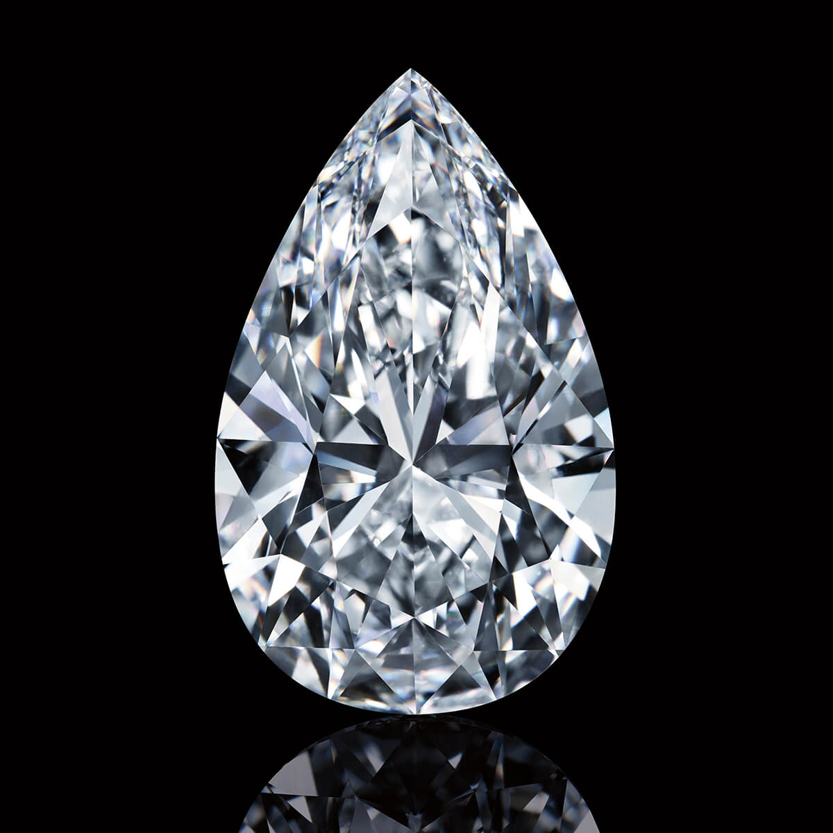 Image of the loose pear-shaped, flawless and colorless Winston Legacy Diamond